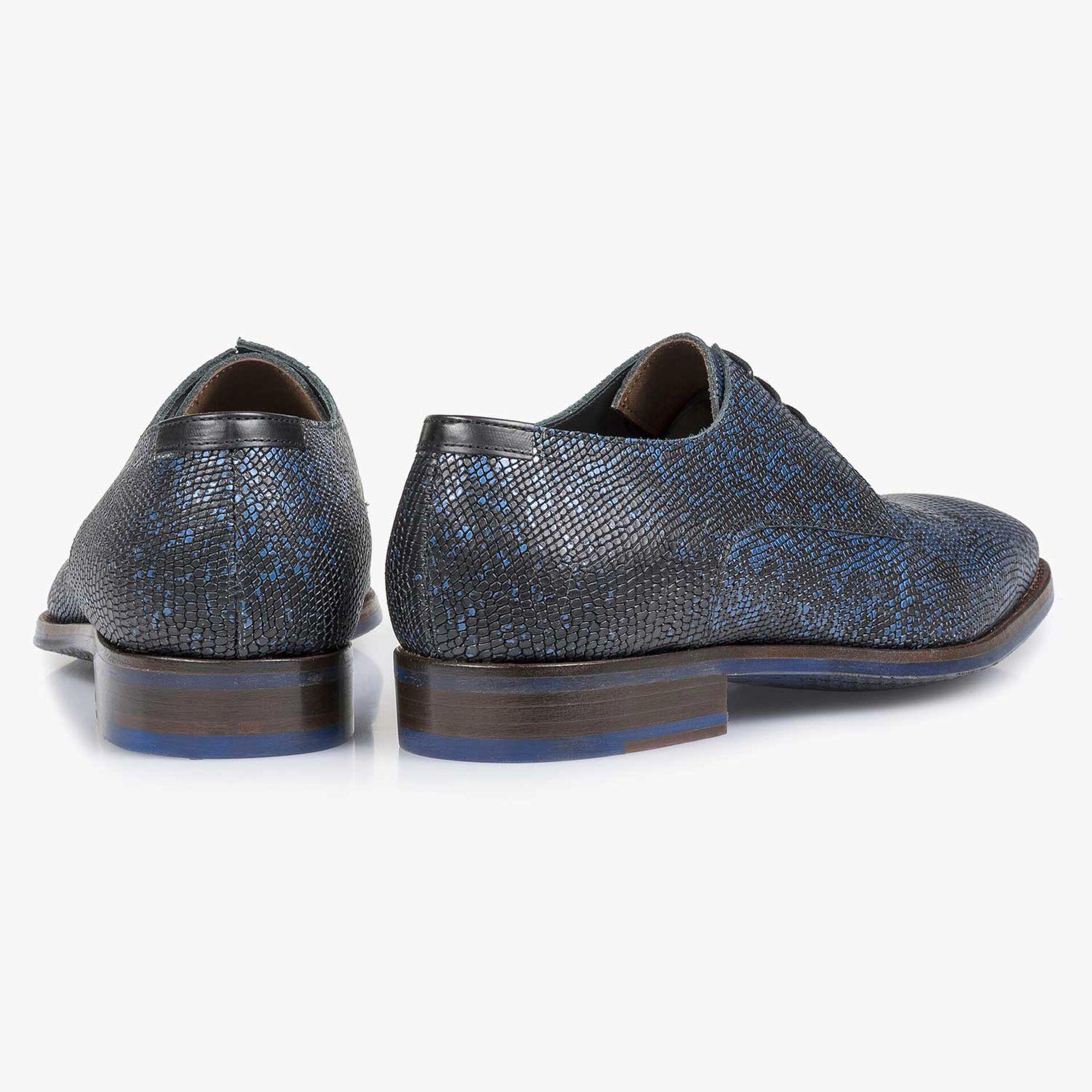 Schwarzer Premium-Schnürschuh mit blauem Metallicprint