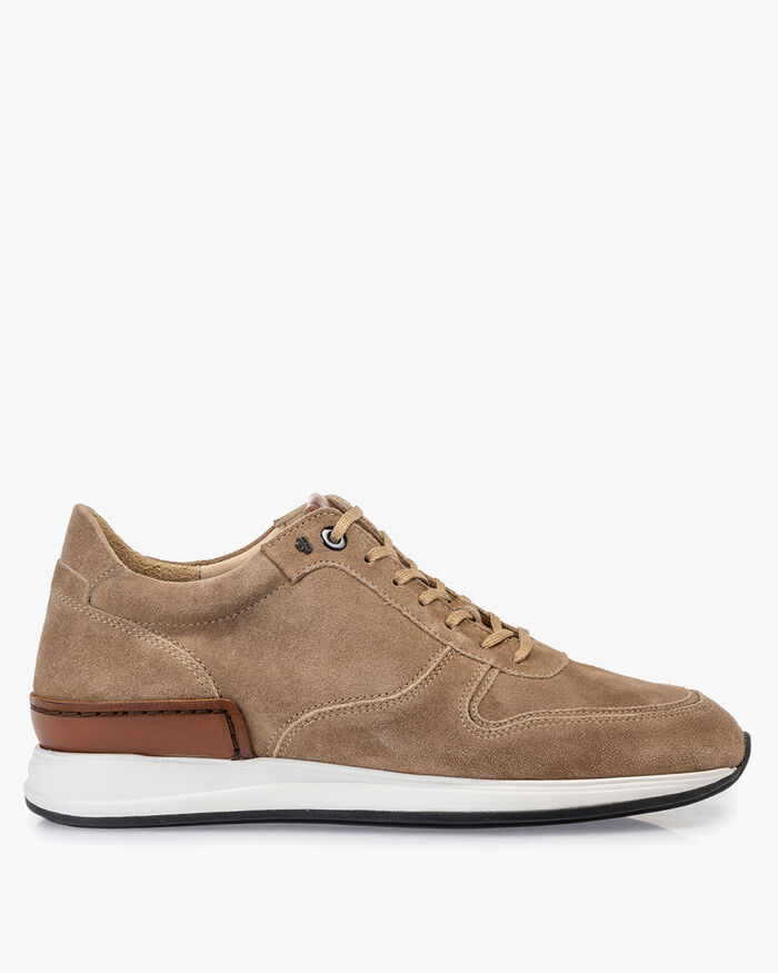 Sneaker sand-coloured suede leather