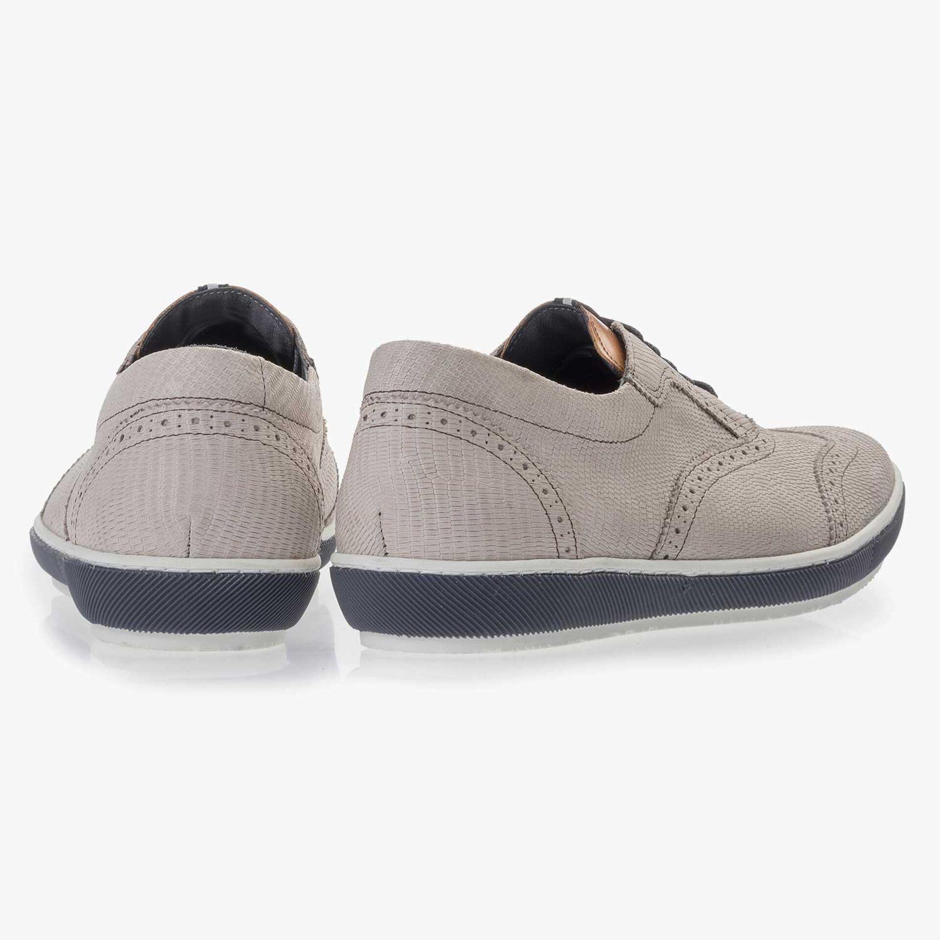 Weißer Brogue Nubukleder Sneaker