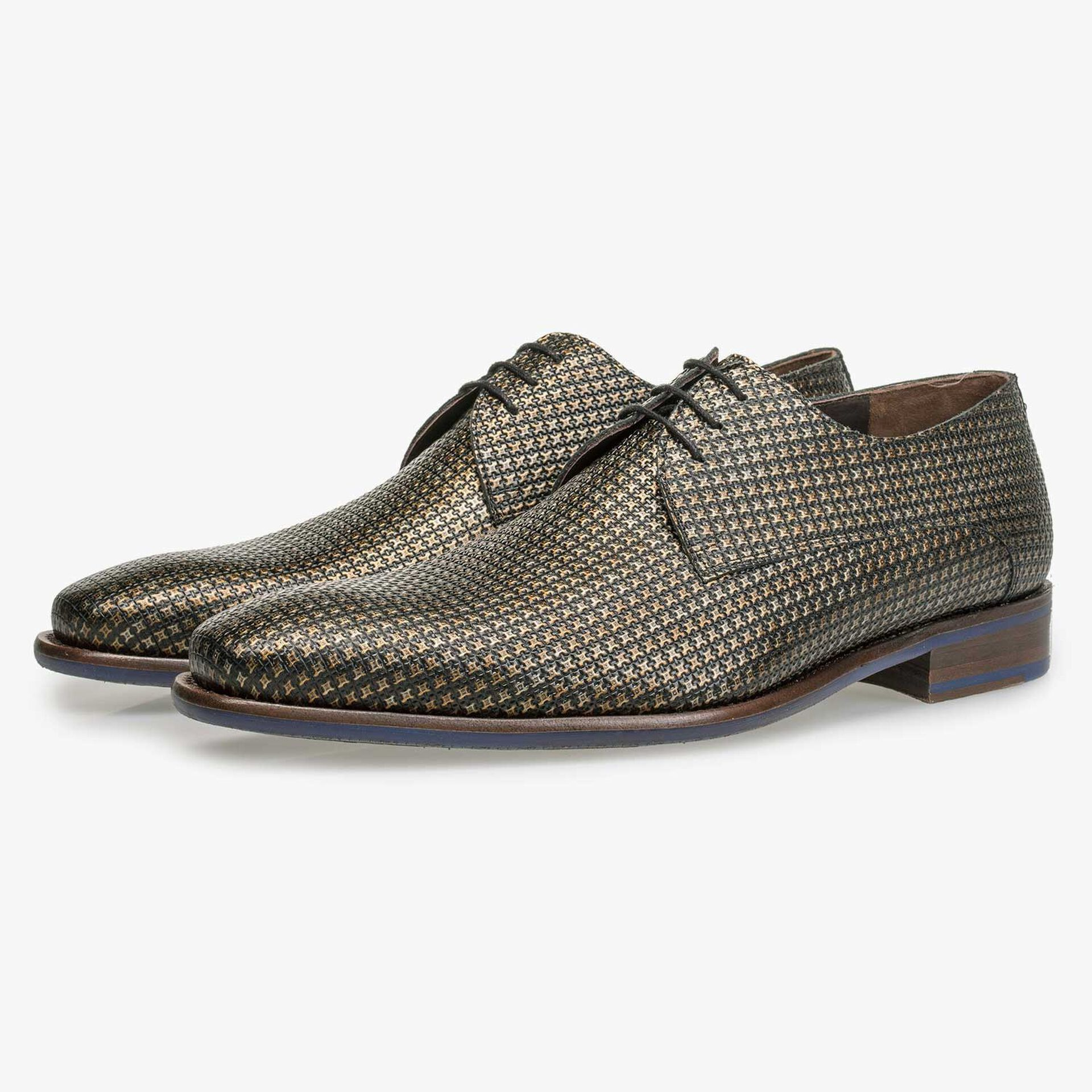 Bronze-coloured calf's leather lace shoe with structural pattern
