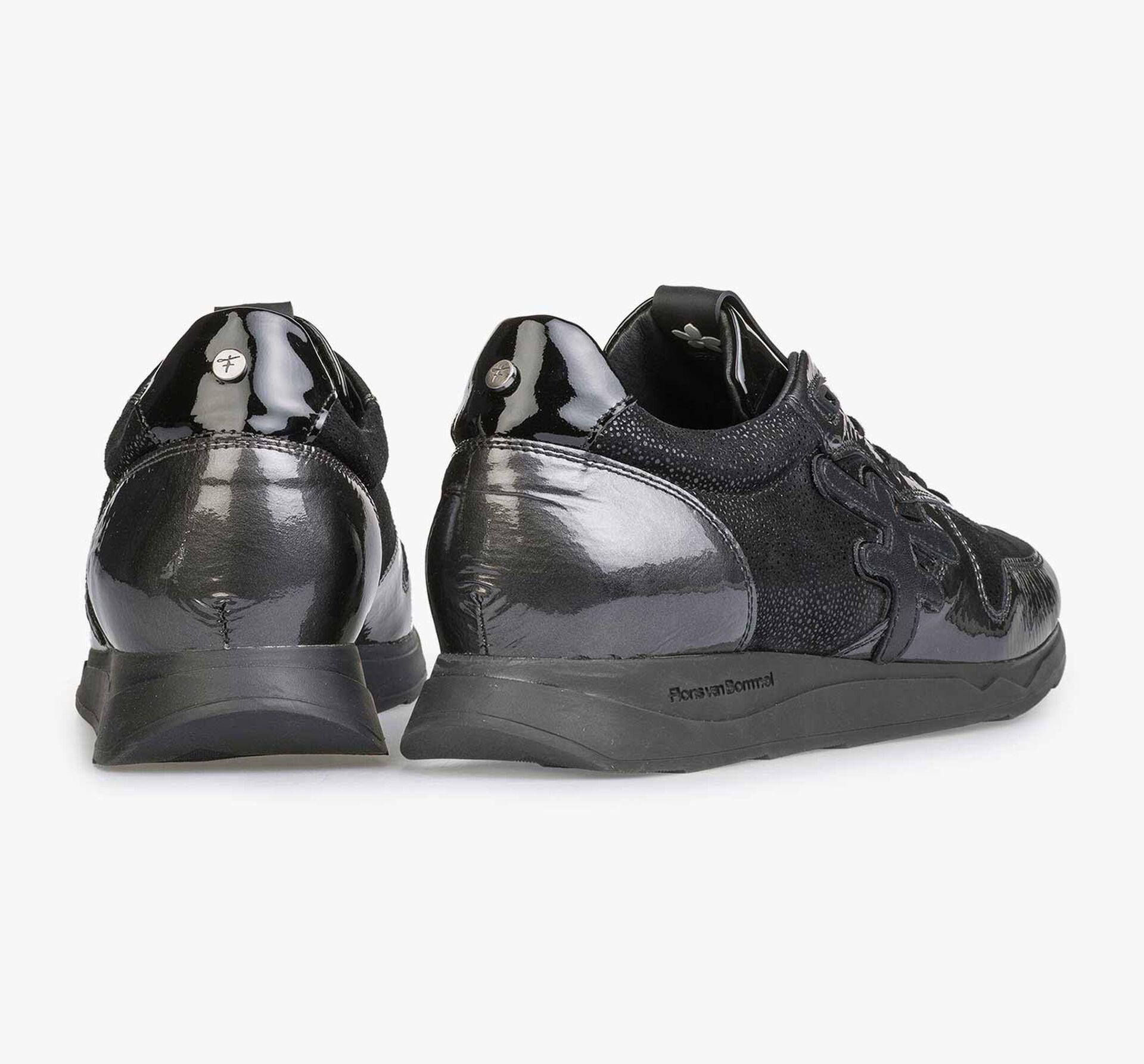Grauer Lackleder-Sneaker mit Joggingschuhsohle