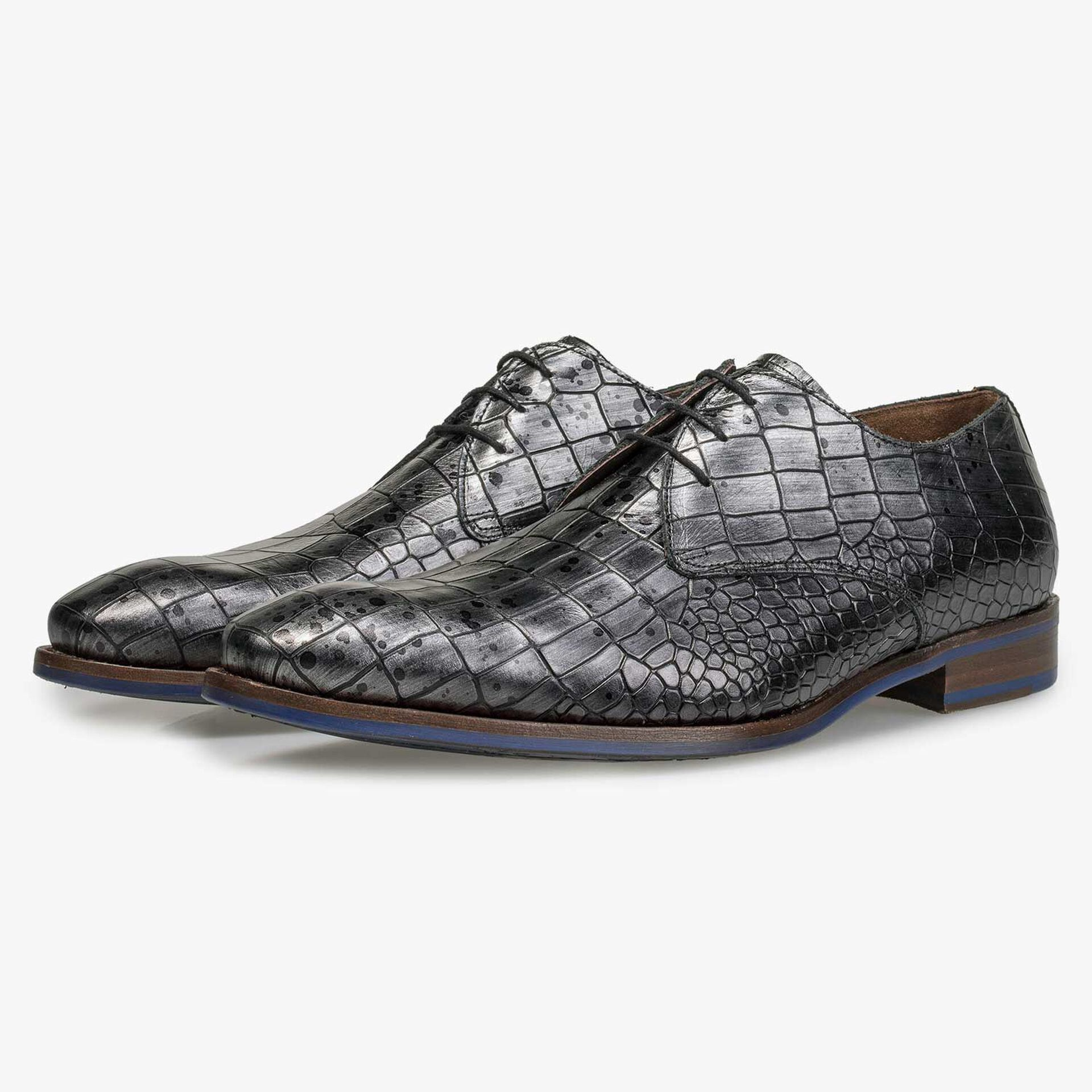 Grey leather lace shoe with croco print