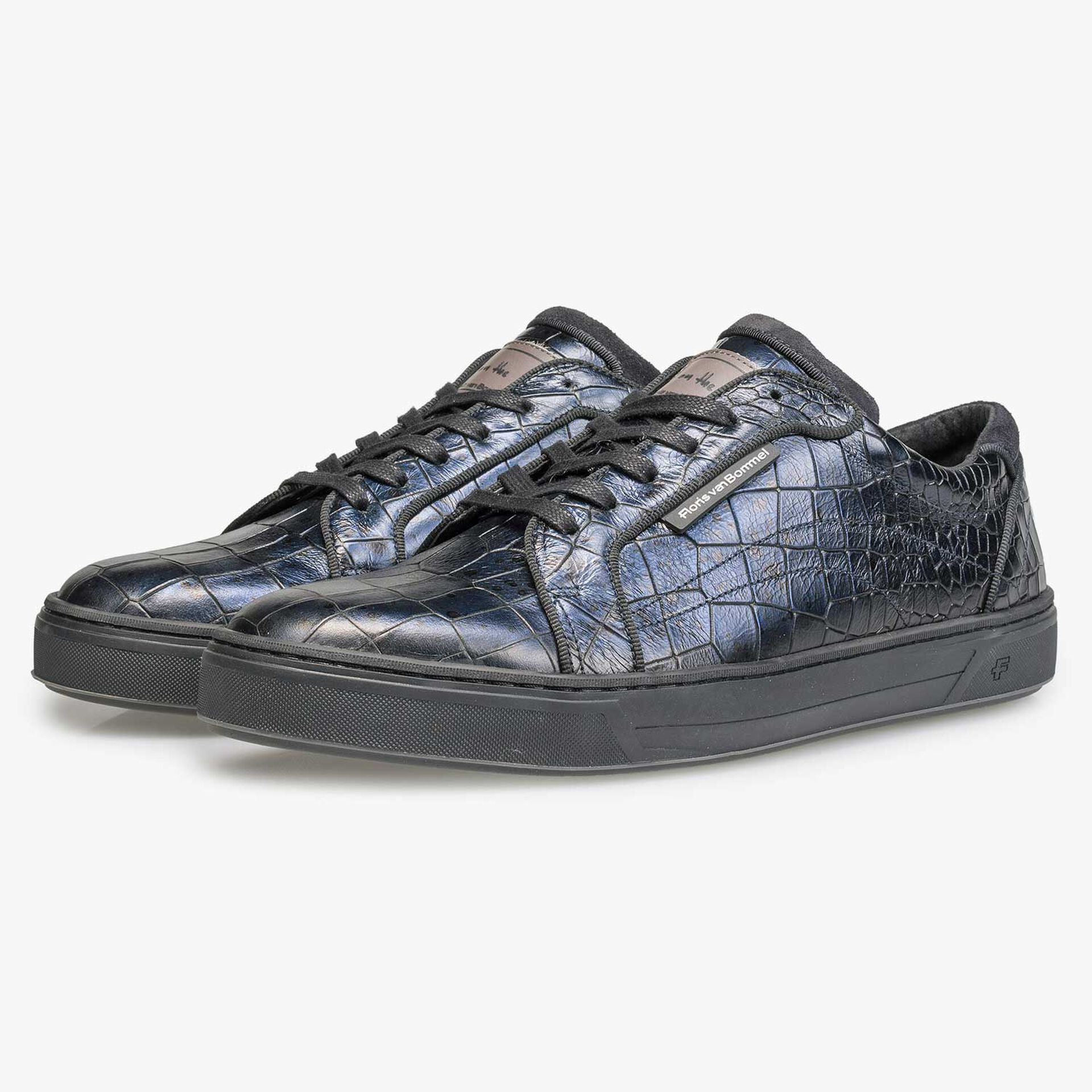 Blauer Leder-Sneaker mit Kroko-Print