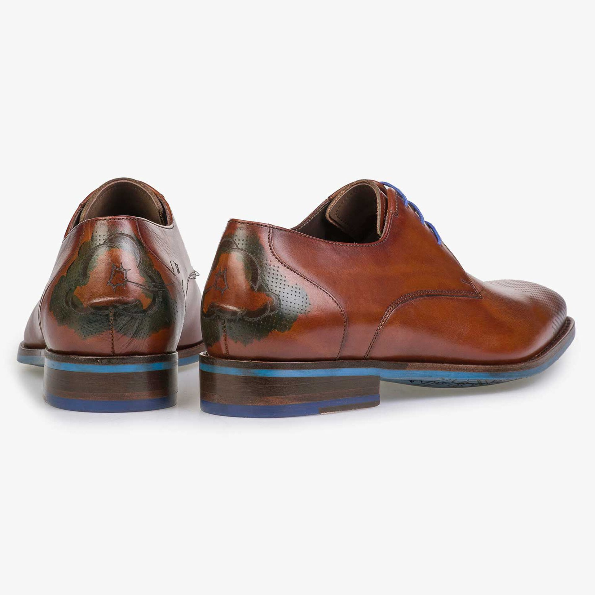 Cognac-coloured leather lace shoe with cloud pattern