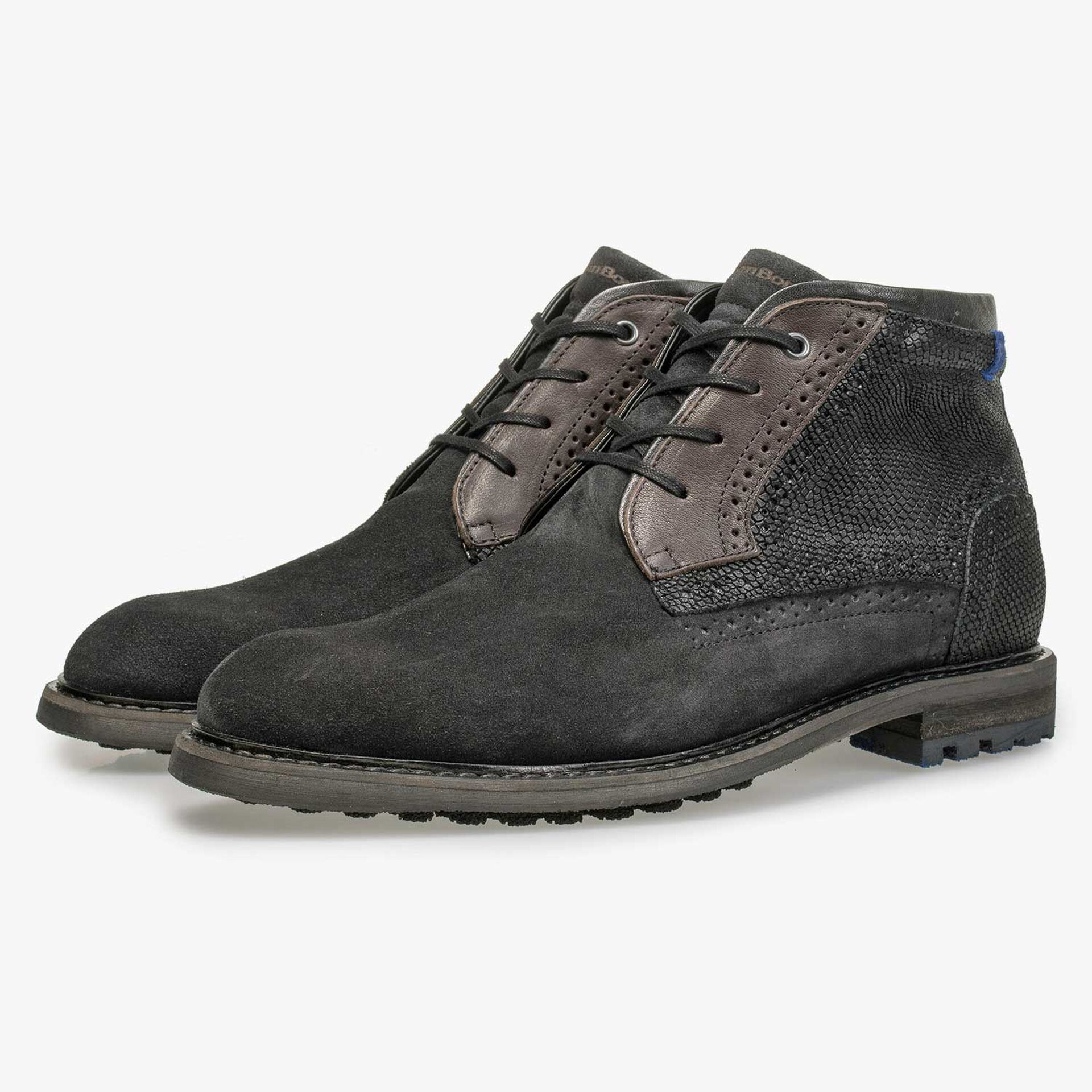 Mid-high dark grey calf's suede leather lace shoe