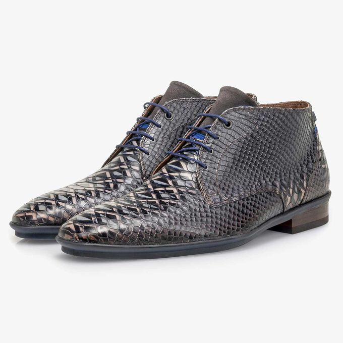 Dark grey calf leather lace shoe with snake print