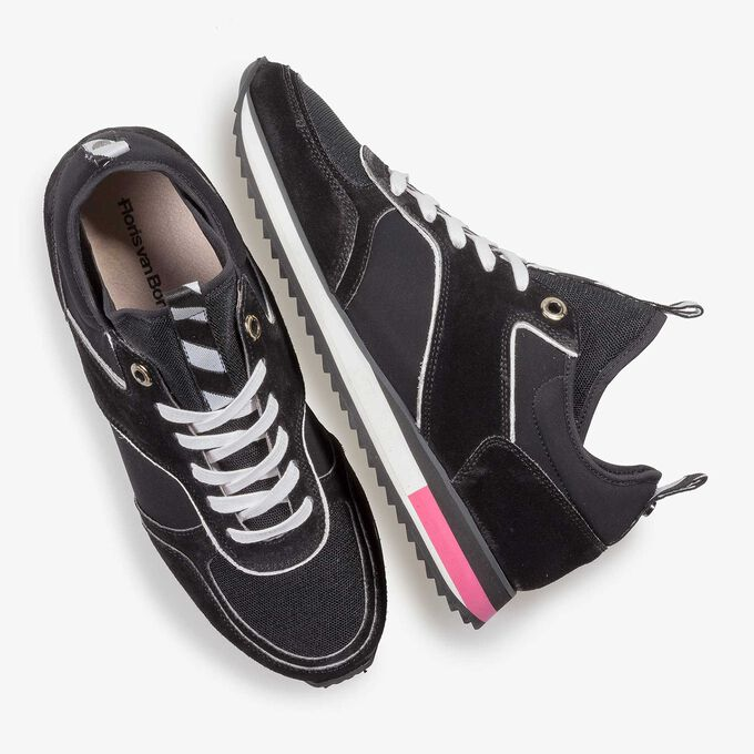 Schwarzer Wildleder-Sneaker