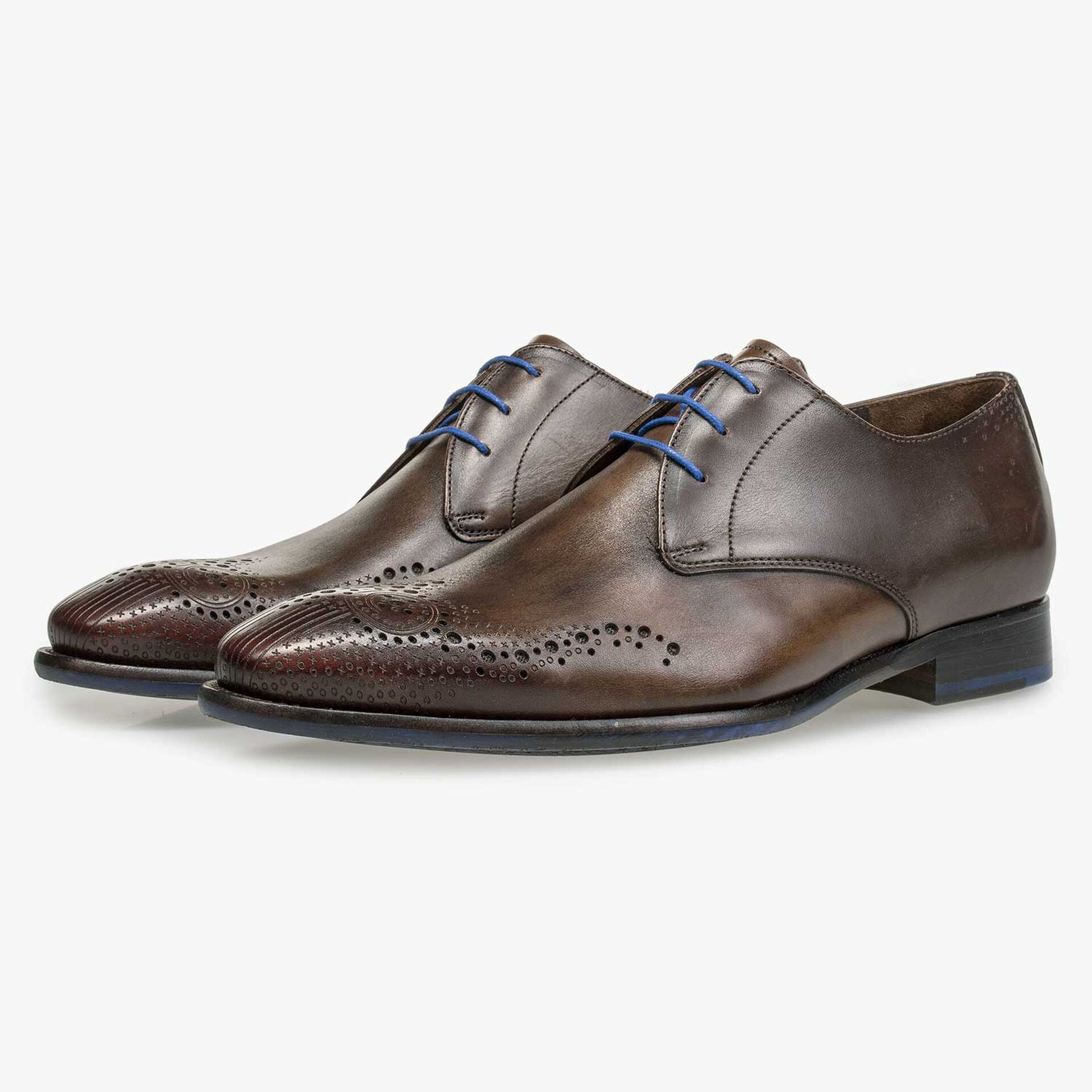 Brown brogue calf's leather lace shoe