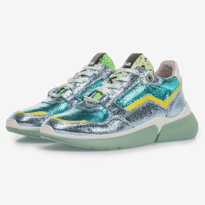 Light blue leather sneaker with metallic print