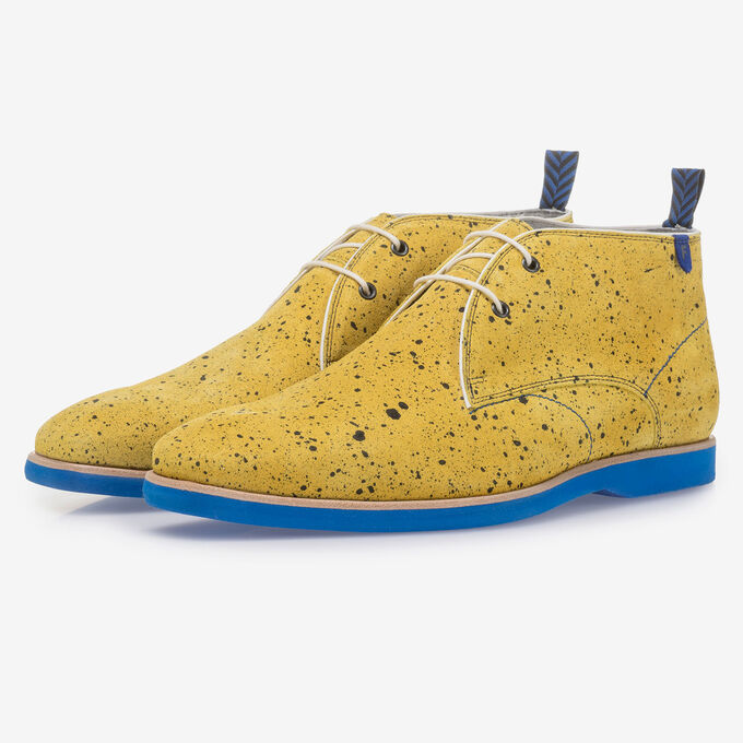 Yellow suede leather lace boot with print