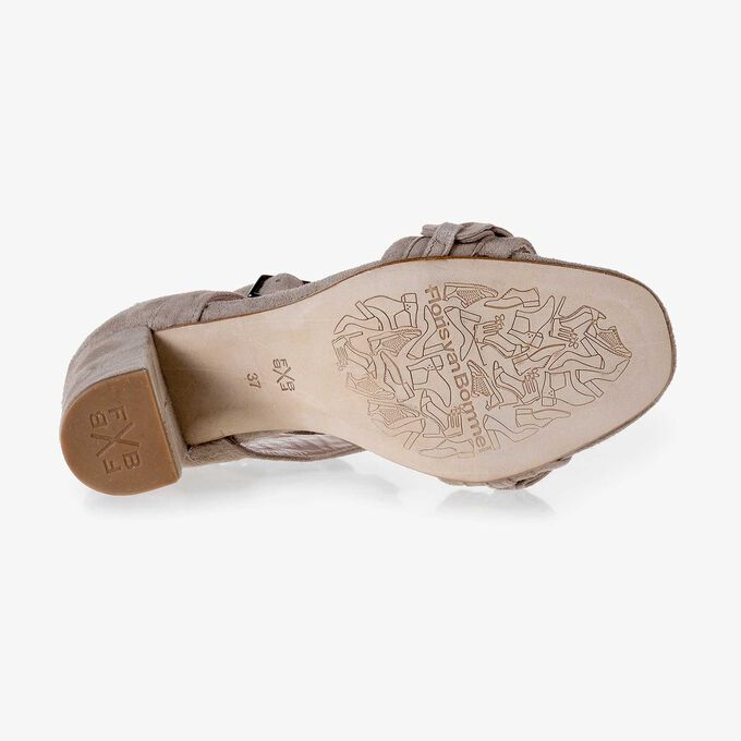 Taupefarbene Sandale aus Kalbsleder