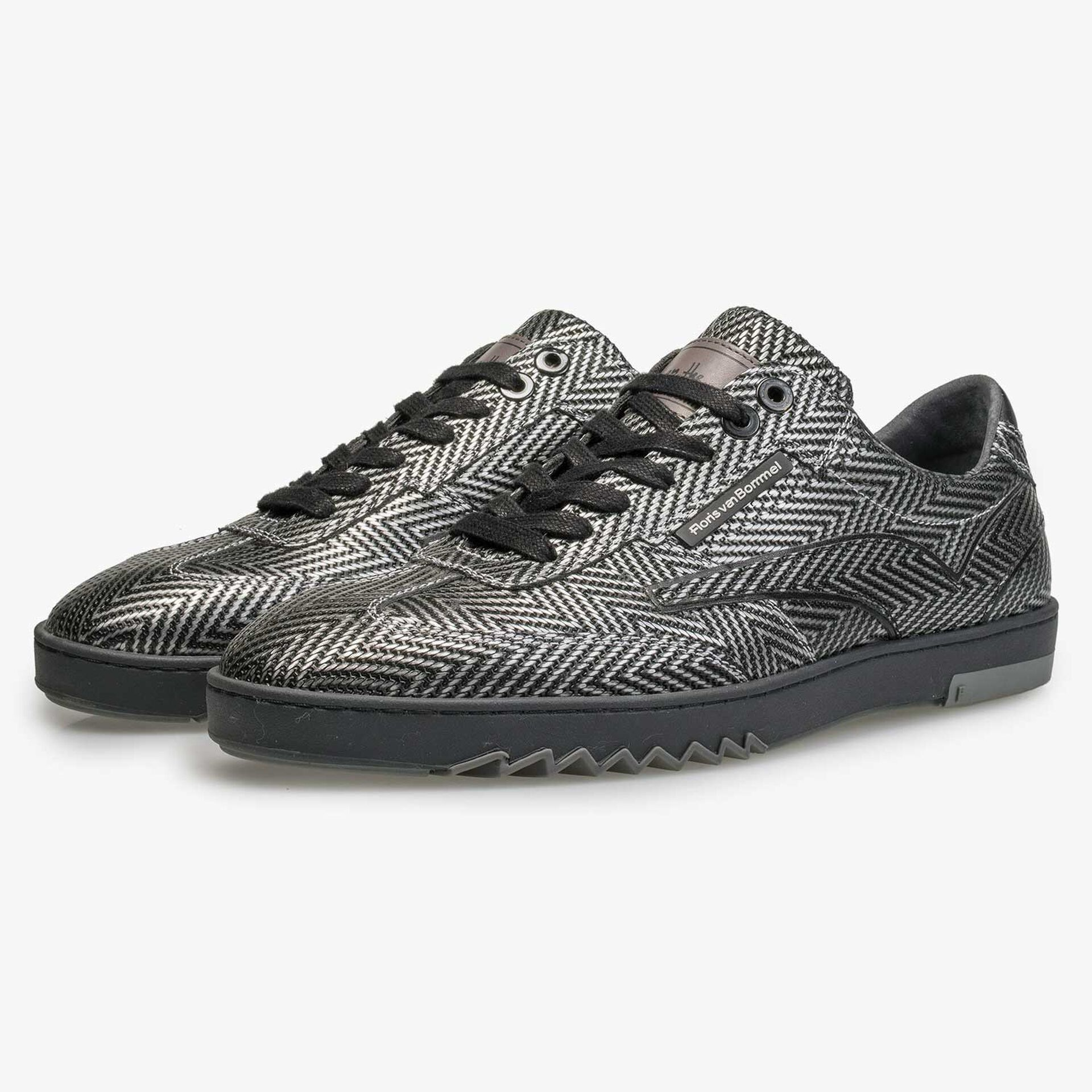Premium Kalbsleder Sneaker mit Metallic-Fischgrätenmuster