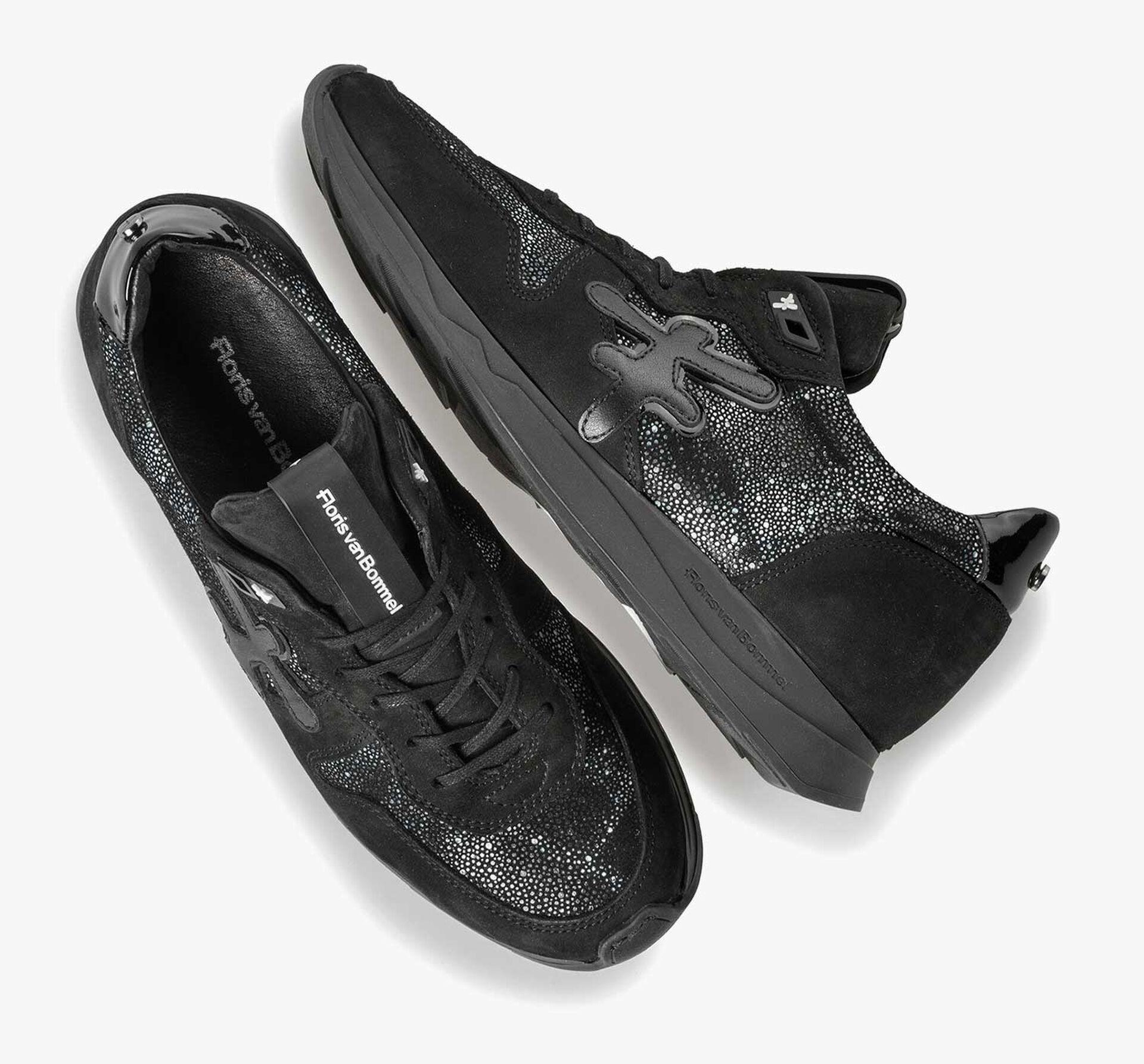 Schwarzer Leder-Sneaker mit Joggingschuhsohle