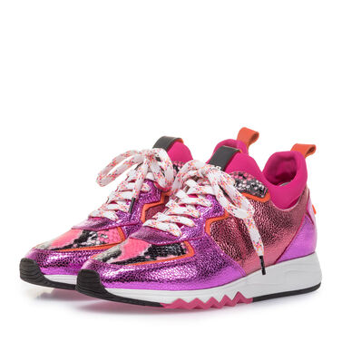 Sneaker with metallic print