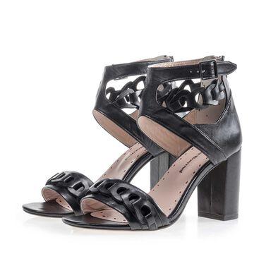 Buckle sandal