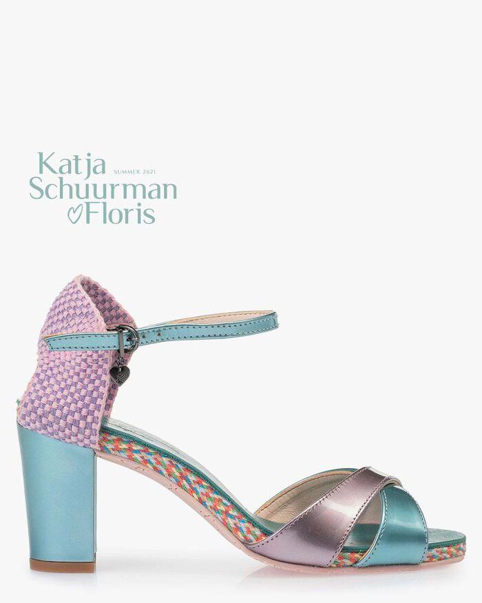 Sandale Lackleder hellblau