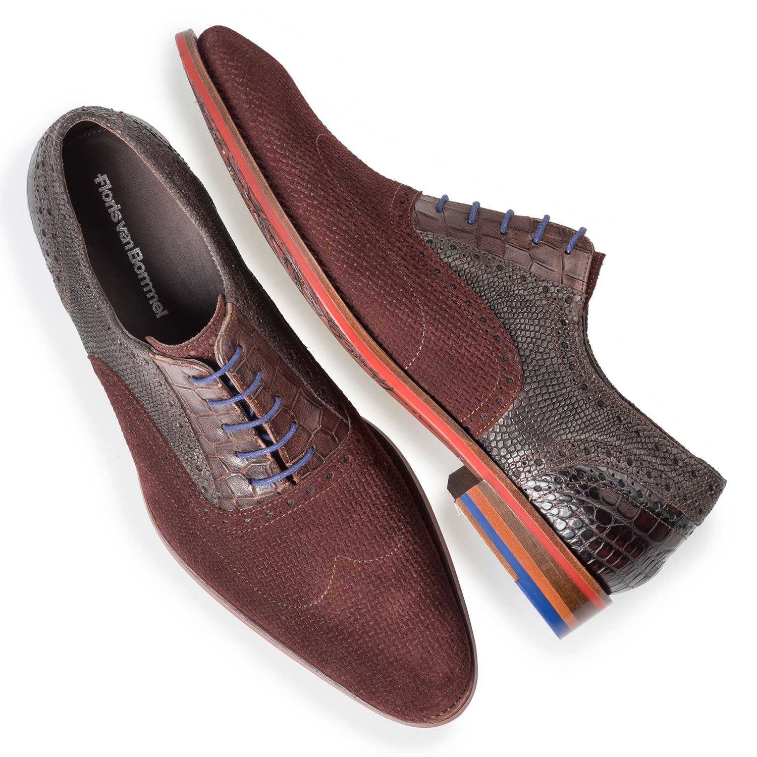 19114/26 - Burgundy red brogue lace shoe