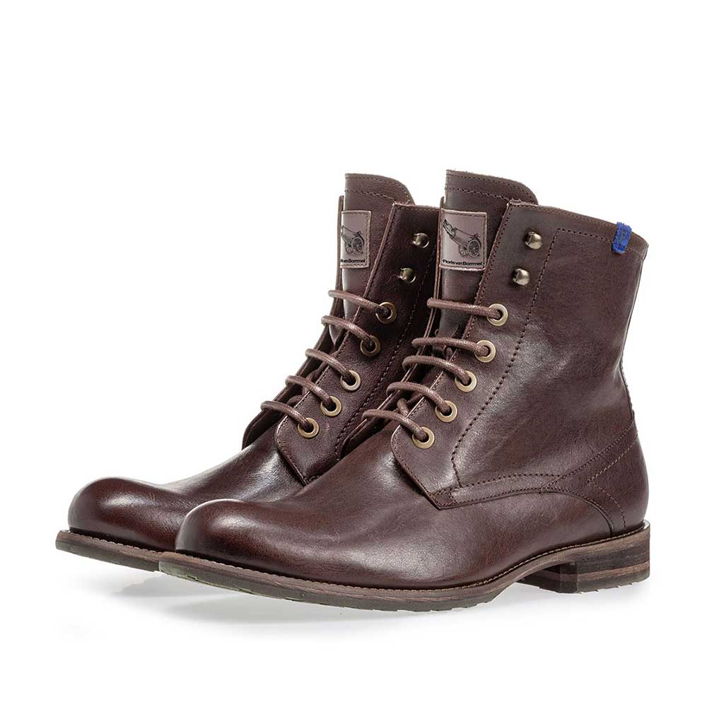 10751/19 - Lambskin lined lace boot brown
