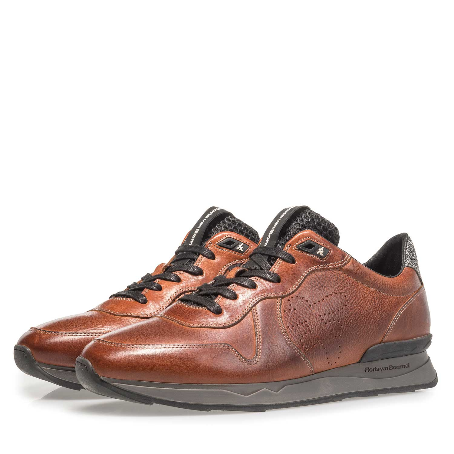 16277/05 - Cognac-coloured calf leather sneaker