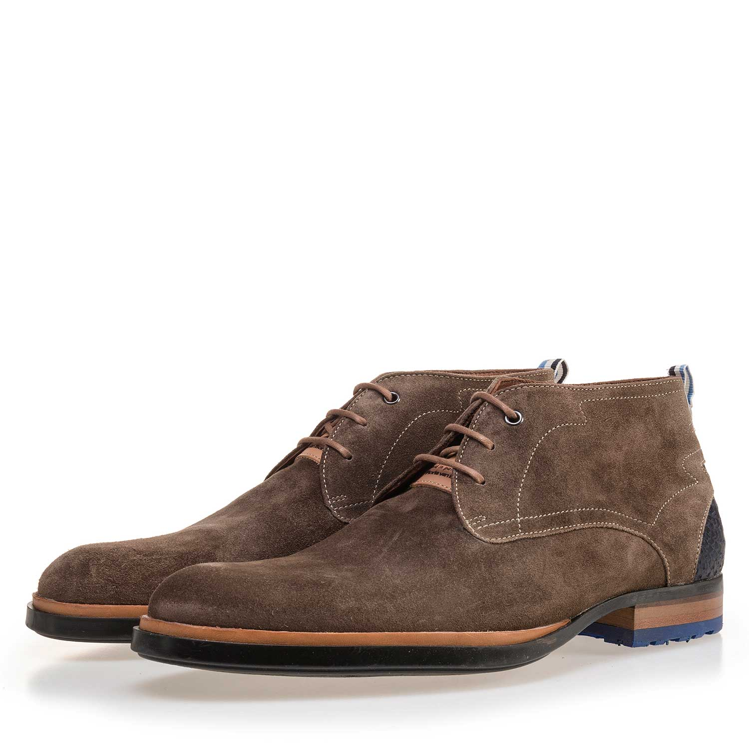 10947/13 - Suede leather lace boot dark taupe