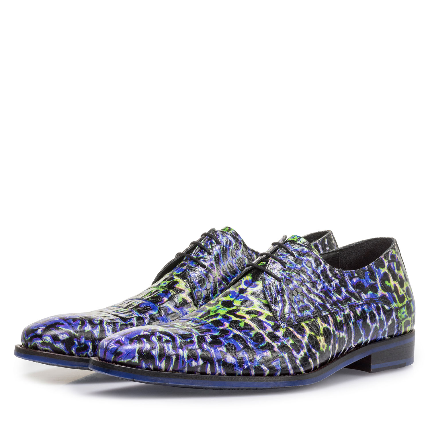 18204/03 - Premium blue lace shoe with a croco print