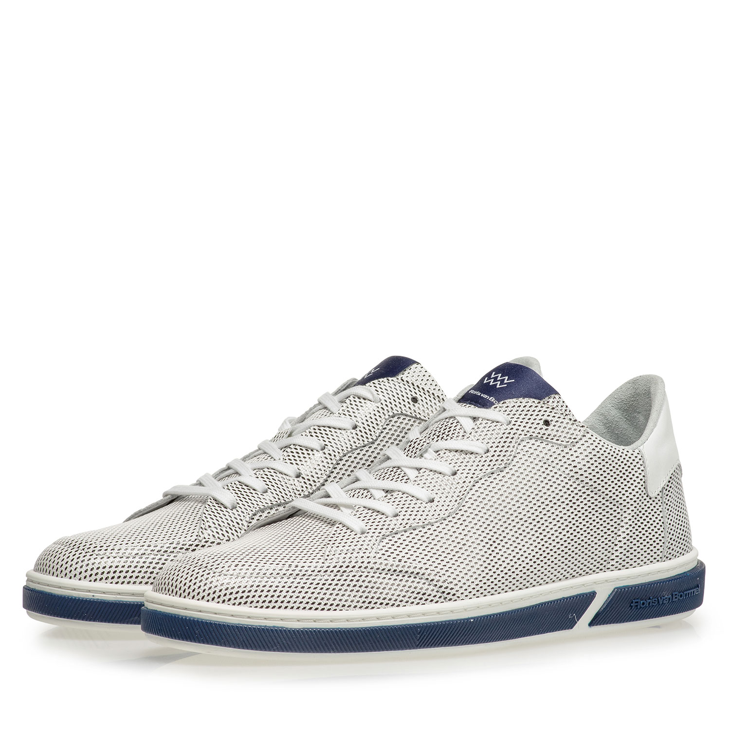 13350/08 - White calf leather lace shoe with print