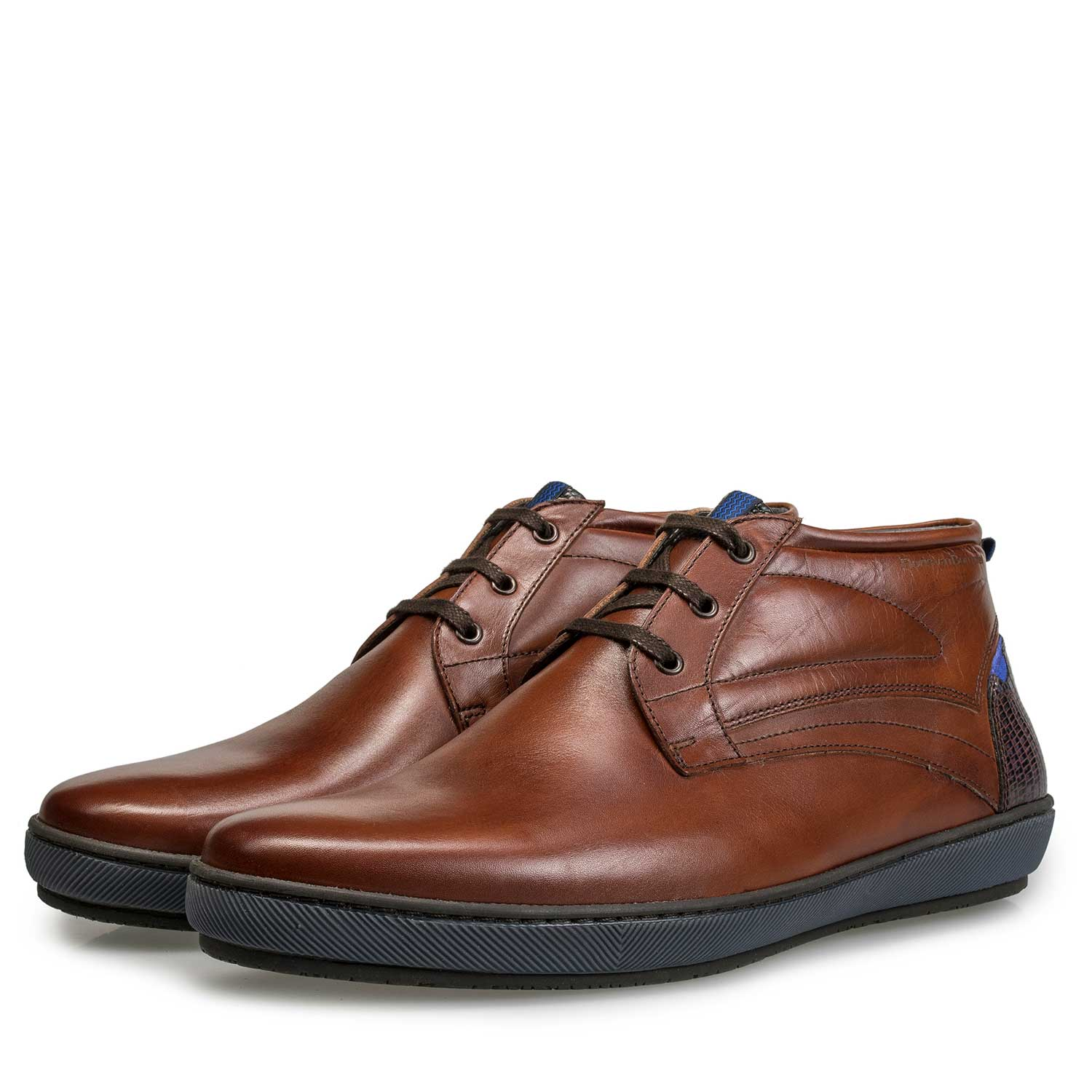 10074/03 - Dark cognac-coloured calf's leather boot
