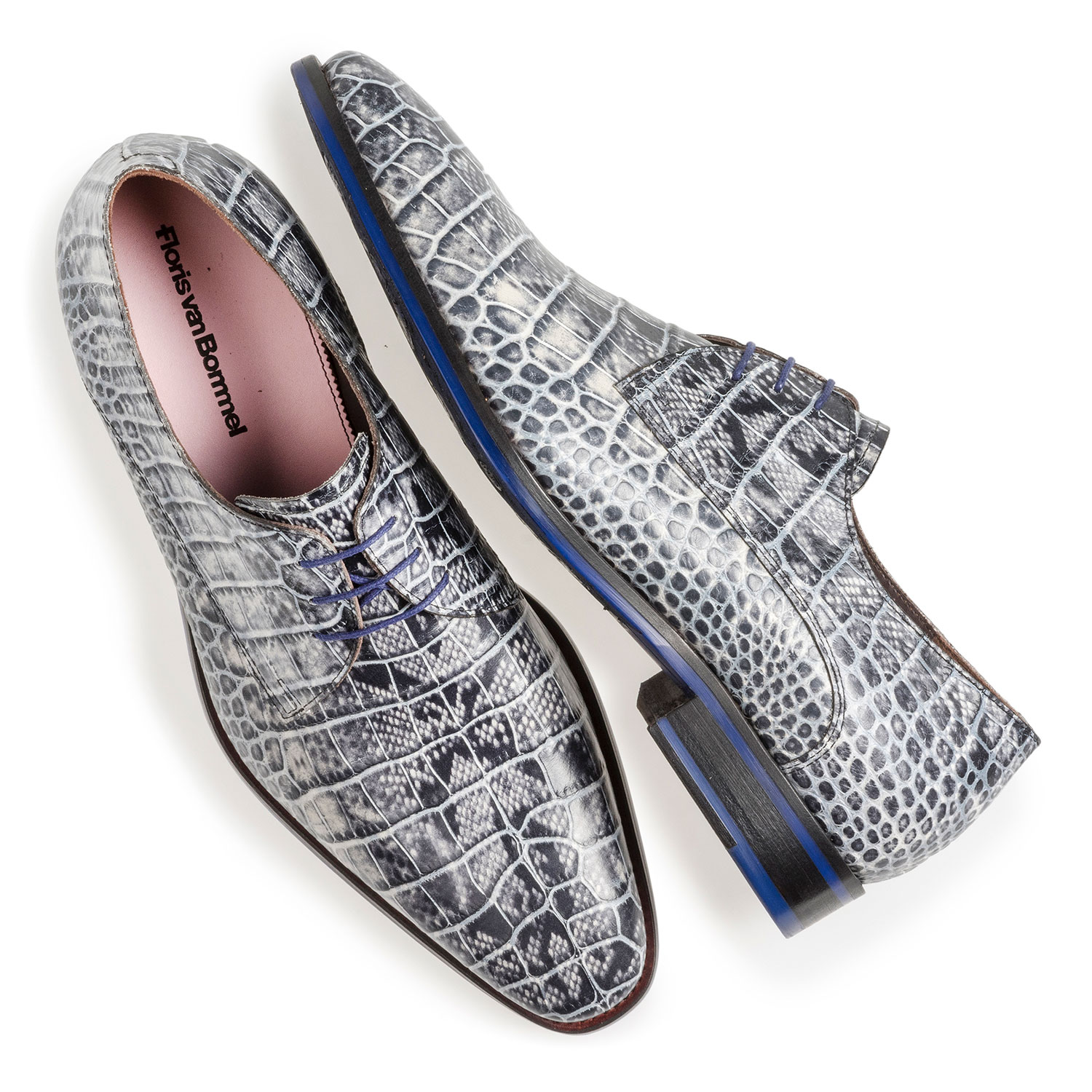 18168/02 - Grey lace shoe with croco print