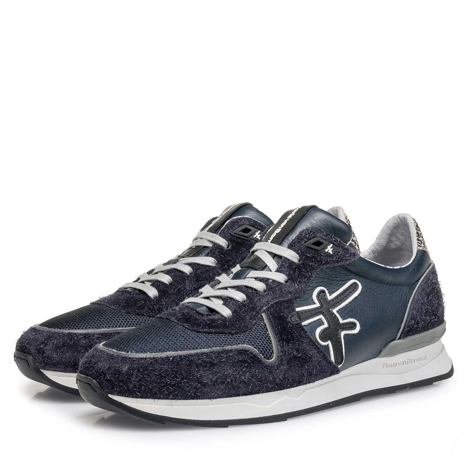 16246/05 - Dark blue calf leather sneaker