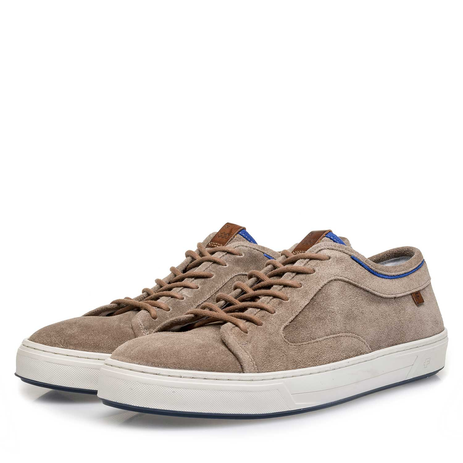 13466/01 - Taupe-coloured washed suede leather sneaker