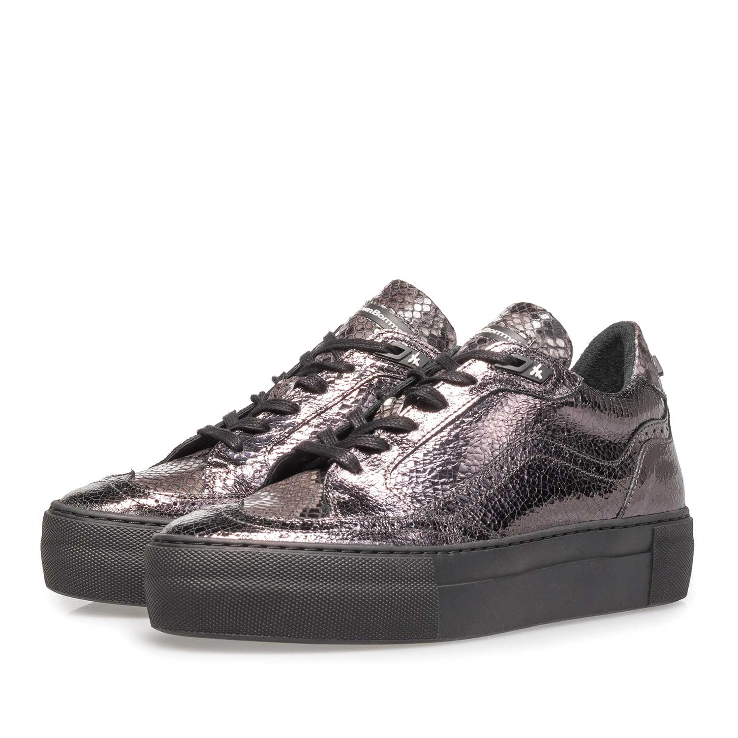 85282/02 - Dark silver-coloured leather lace shoe with a metallic print