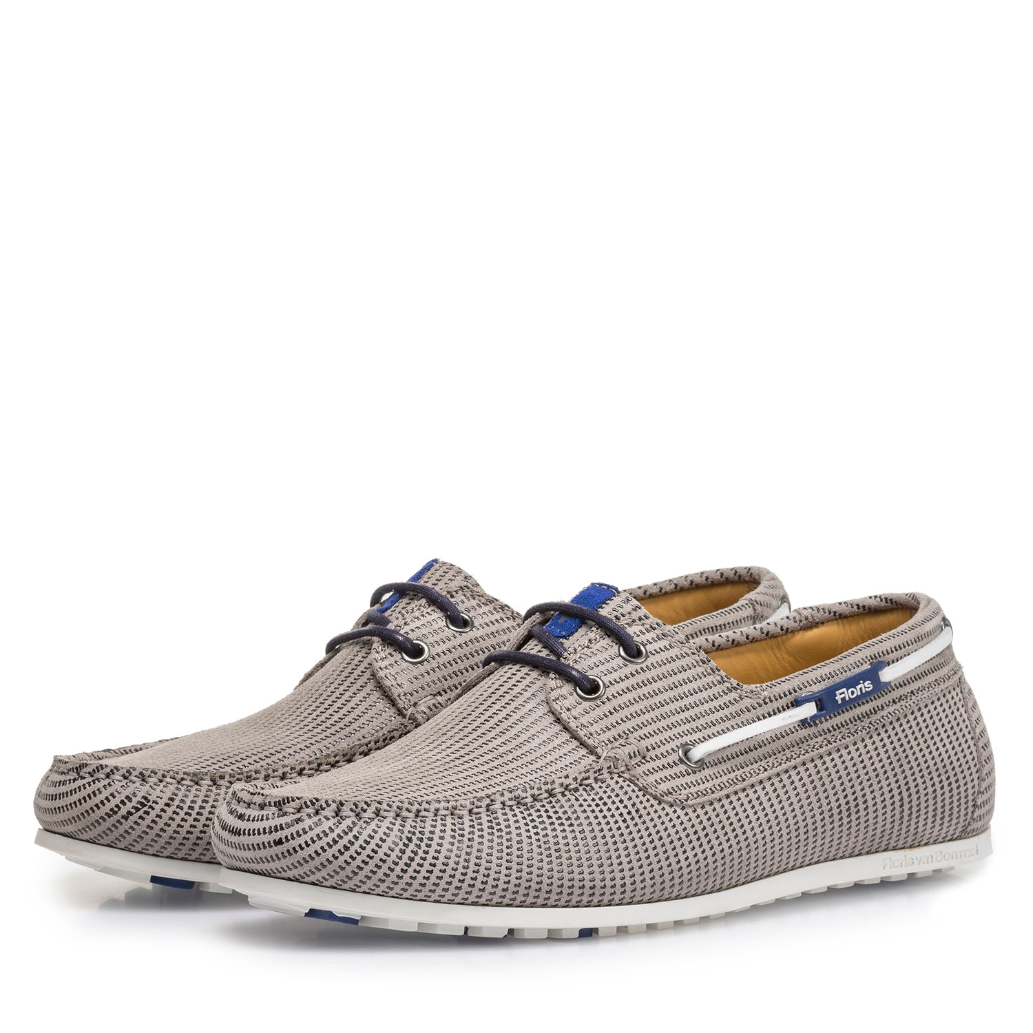 15035/11 - Sand-coloured suede leather boat shoe with print