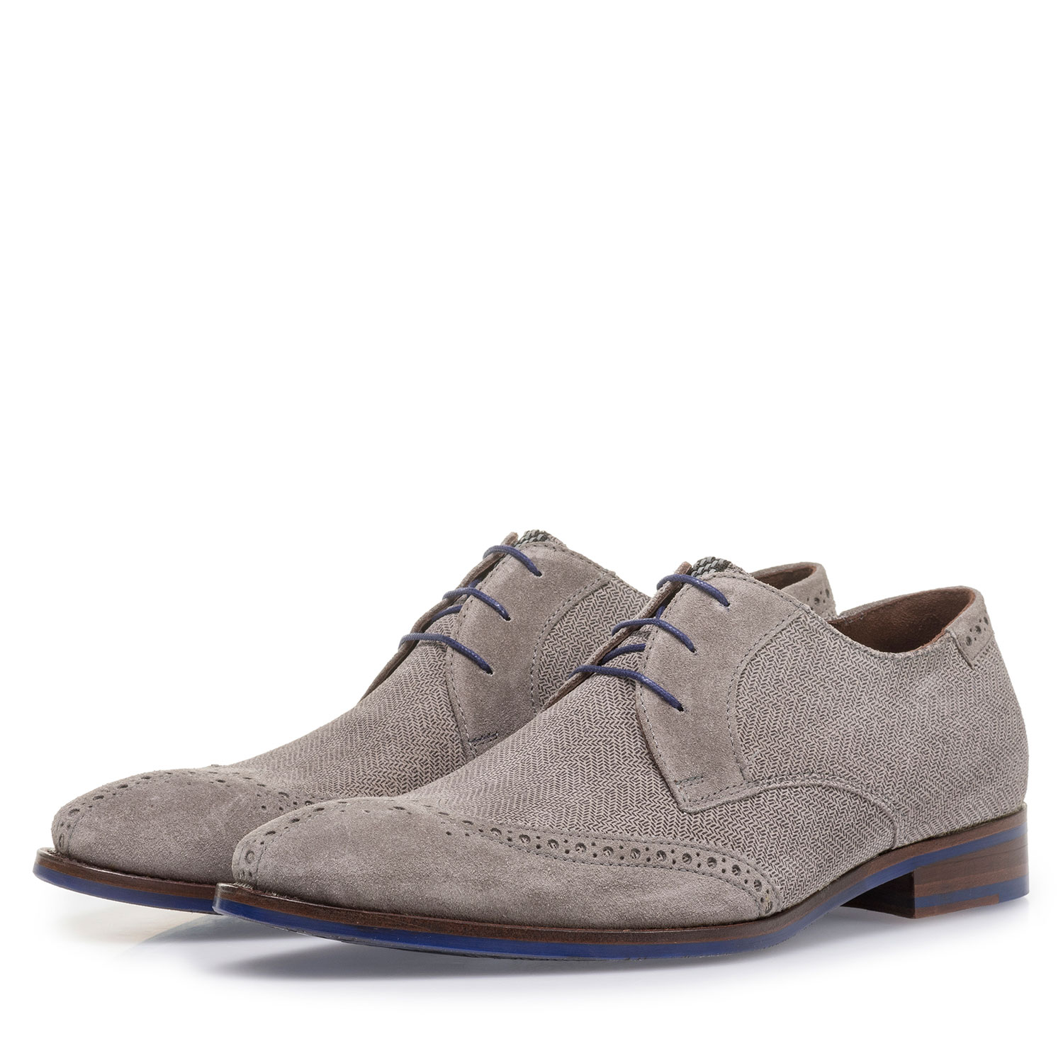 17122/02 - Light grey suede leather lace shoe with print