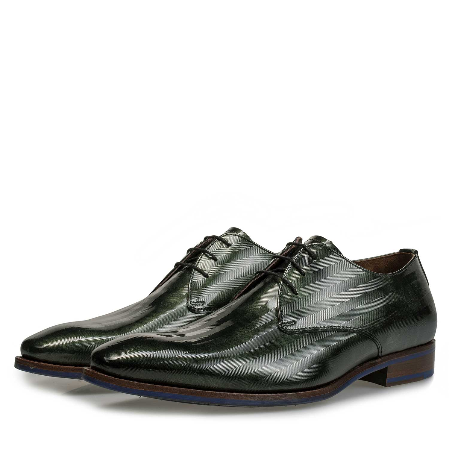 18066/00 - Green Premium patent leather lace shoe