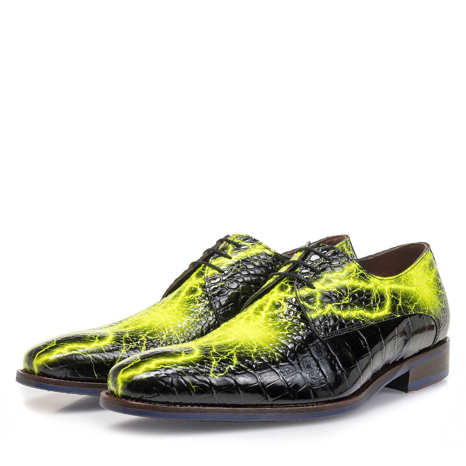 18102/01 - Black premium lace shoe with yellow print