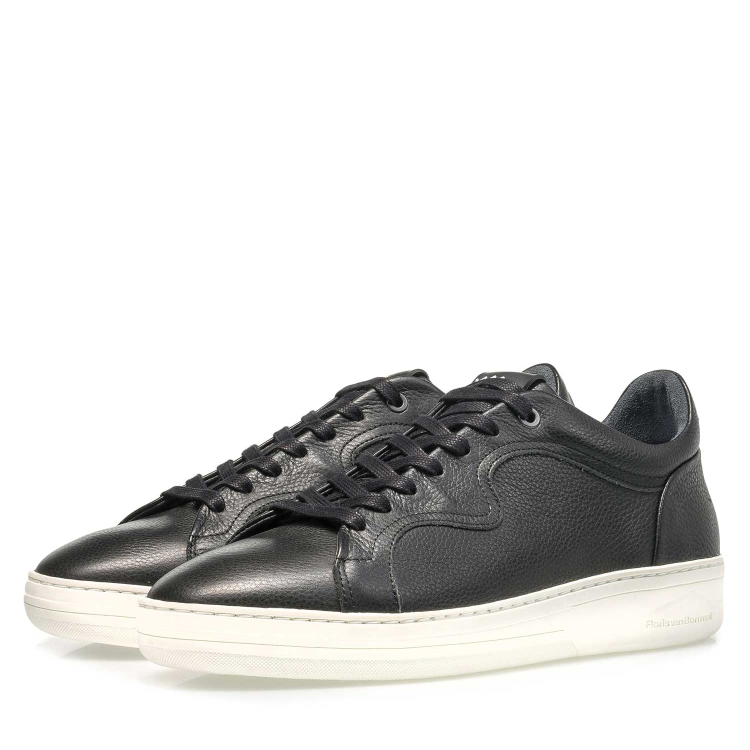 13225/04 - Black calf leather sneaker