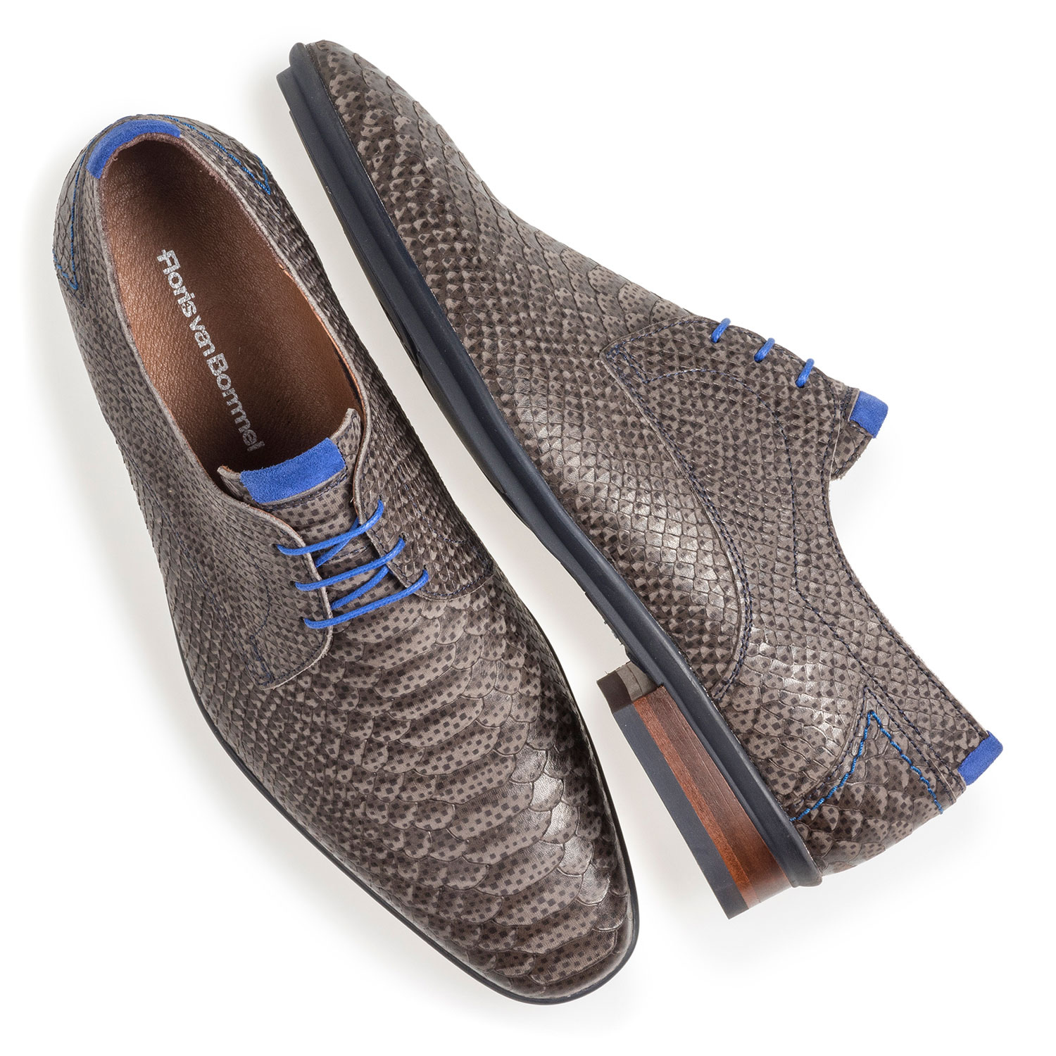 18441/18 - Dark grey nubuck leather lace shoe with snake print