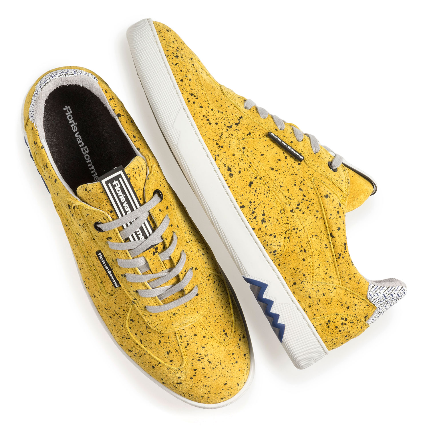 16342/19 - Yellow suede leather sneaker with black print