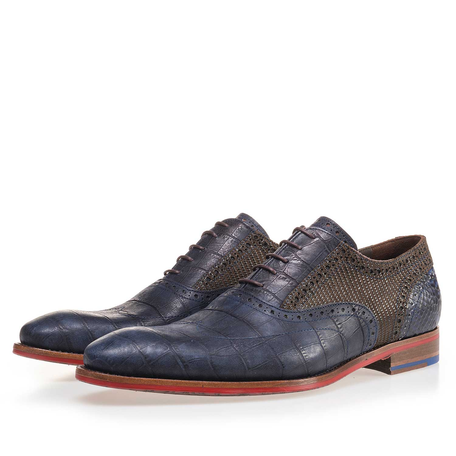 19104/05 - Dark blue calf's leather lace shoe with a croco print