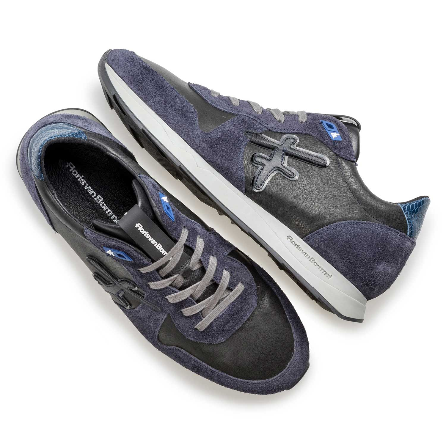 16226/07 - Nappa leather sneaker with blue suede leather accents