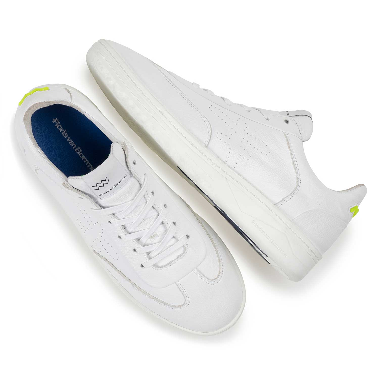 16255/05 - White leather sneaker