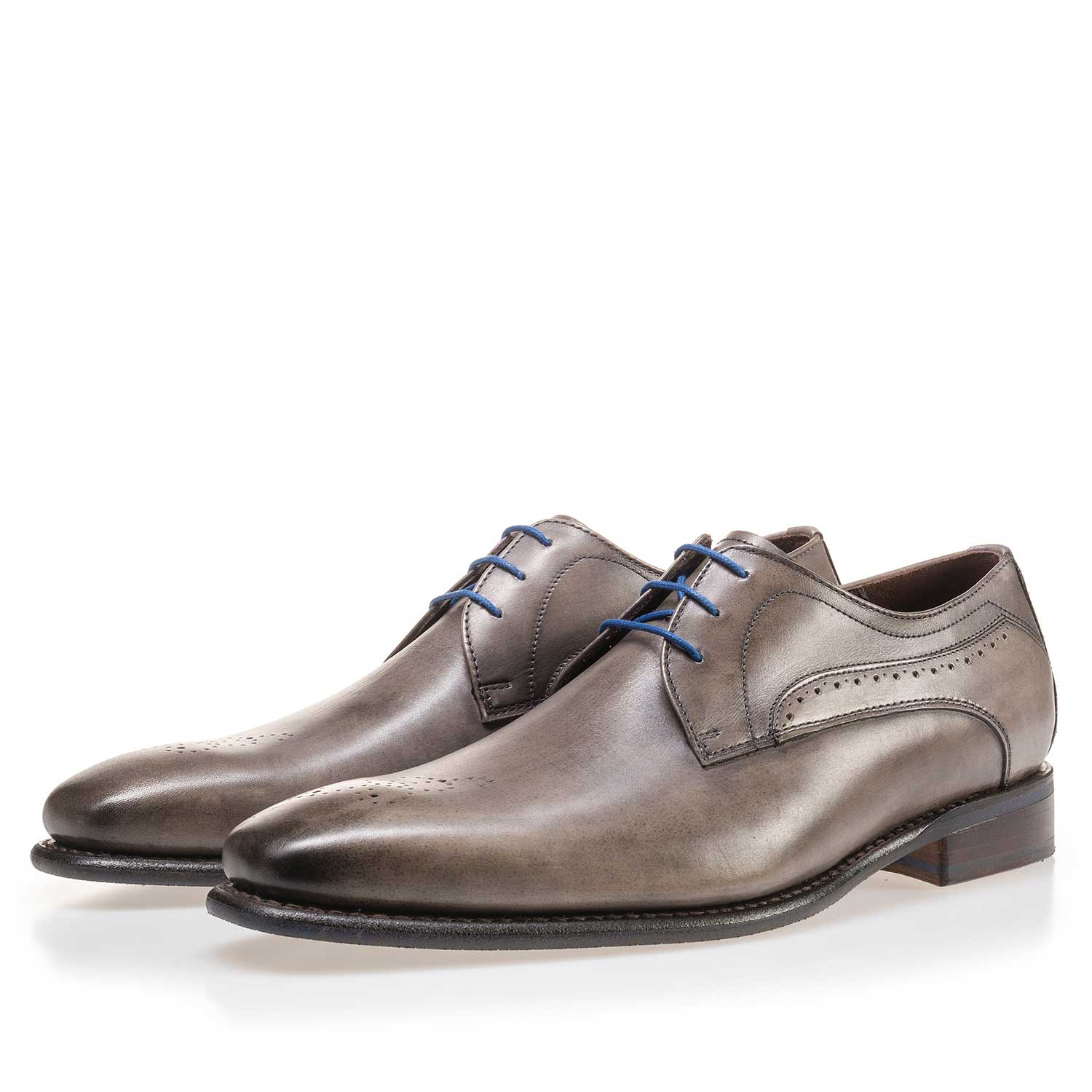 14182/02 - Taupe-coloured calf's leather lace shoe
