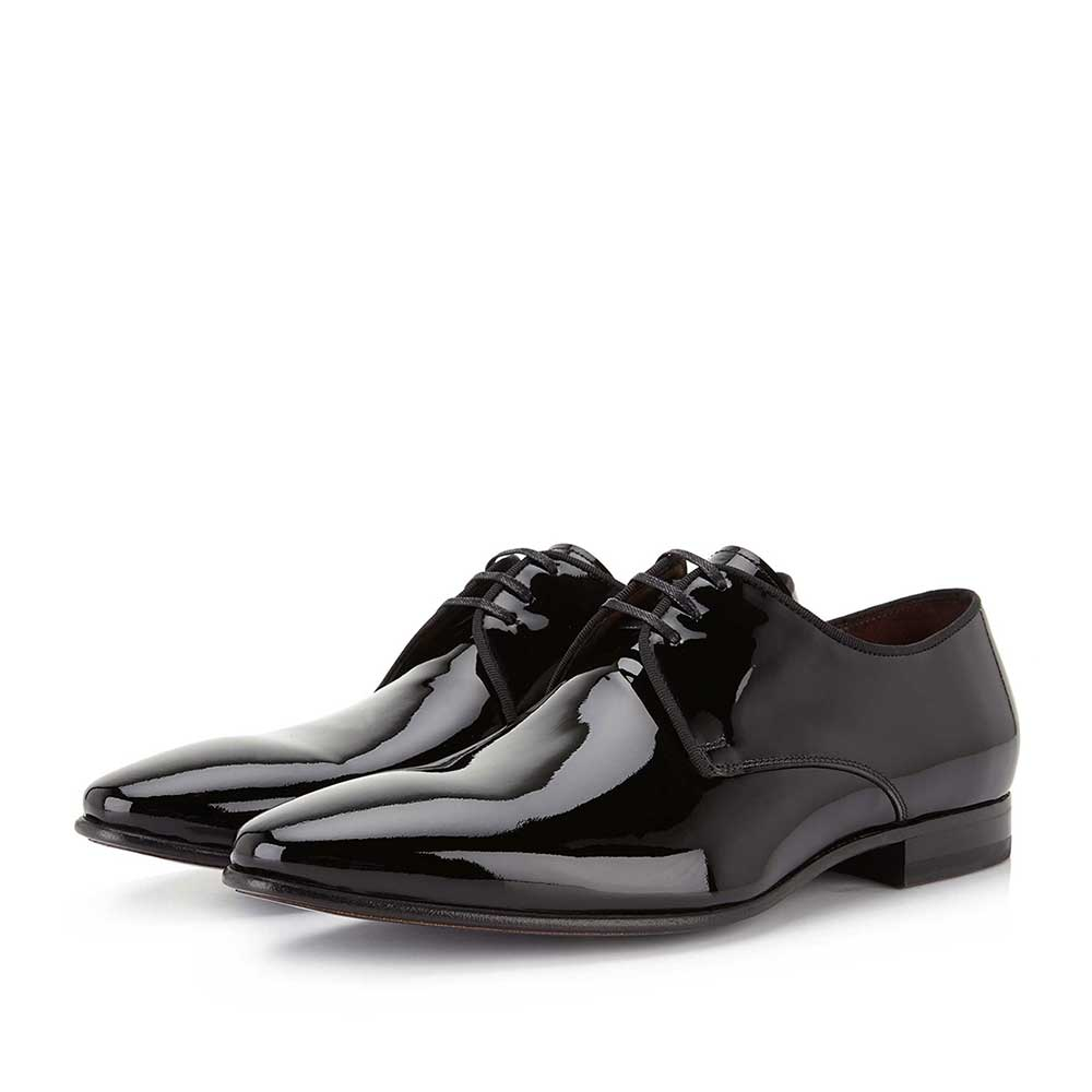 14338/00 - Black patent leather lace shoe