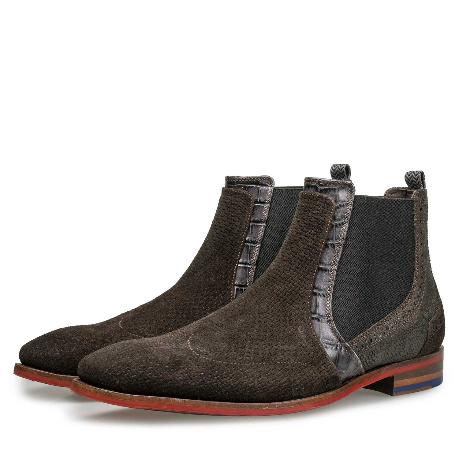 20055/07 - Brown Chelsea boot with structural pattern